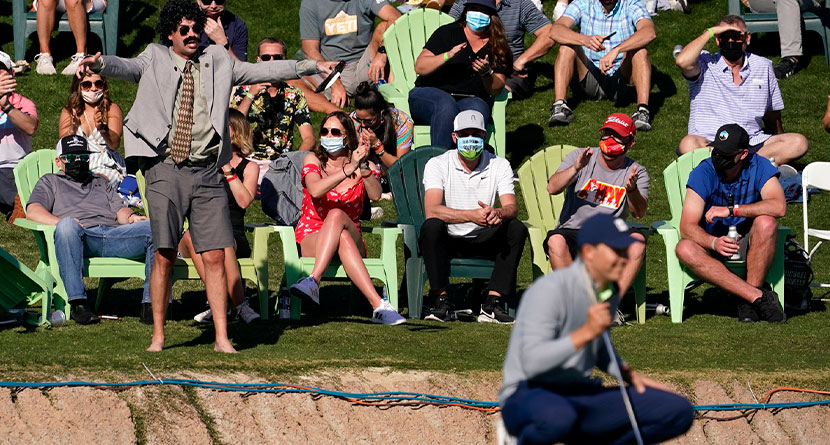 Spieth Makes Birdie Putt As Fan Gets Ejected