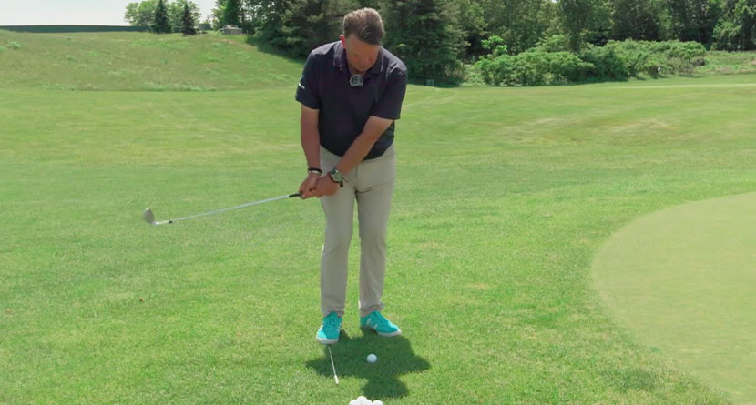 The Only Technique You Need To Hit Chip Shots